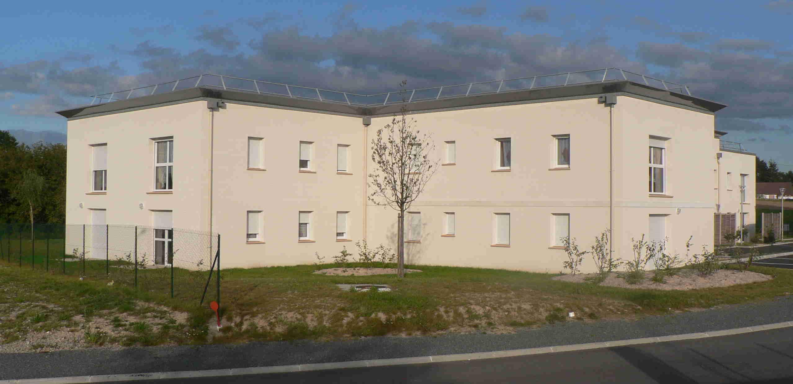 : En 2014, une résidence de 20 logements accessibles aux personnes à mobilité réduite a ouvert ses portes à La Souterraine grâce à un partenariat entre l'association Ti'hameau et Creusalis.